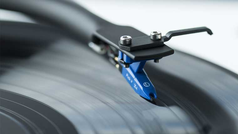 4 Ways to Get The Best Sound Out of Your Turntable & Prolong The Life of Your Gear