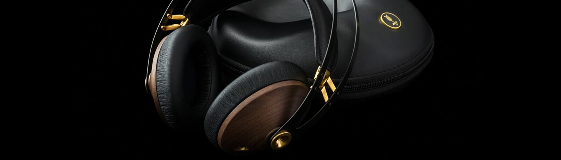 Review: Meze Audio 99 Classics vs. 99 Neo Headphones