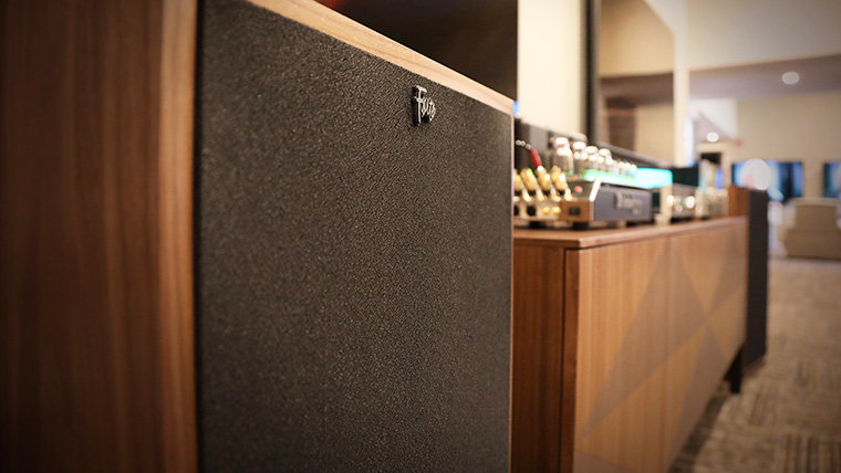 """5 Minutes on """"The Klipsch Experience Center"""" with Bob Cole"""